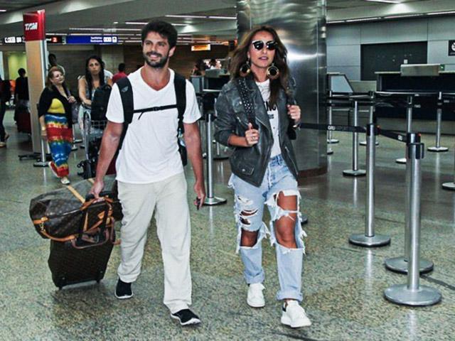 Sabrina e Duda Nagle desembarcaram juntinhos em São Paulo após curtirem o feriado em Maceió