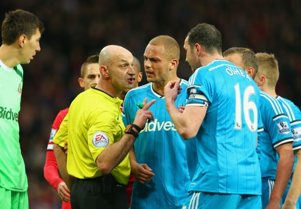 Rooney: Brown red card must be rescinded