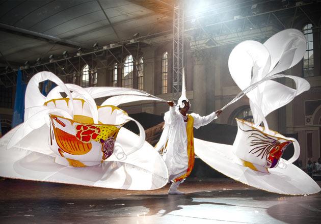 Dariusz Dziala: Grand Carnival Costume Splash