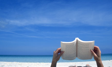 http://castlereads.blogspot.nl/2012/06/queen-discusses-reading-and-traveling.html