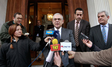 Greece's PM Papademos makes statements after a meeting with President Papoulias in Athens