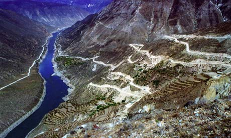 China plans dams in Tibet along the Yarlung Zangbo River :  Zangmu hydroelectric project