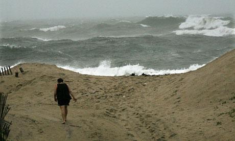 Damian on sea levels rising on North East Cost of US : Hurricane Irene Crosses North Carolina Coast