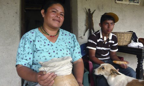 MDG : Mark Tran in Guatemala : Farmer Maria Saturnina Ojom near Rabinal