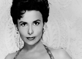 Lena Horne dies at age 92