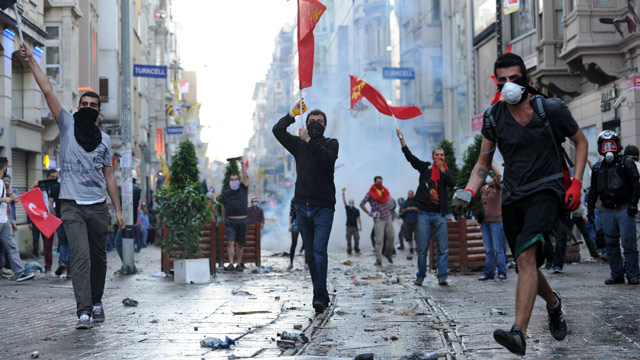 https://i1.wp.com/static.guim.co.uk/sys-images/Guardian/Pix/audio/video/2013/5/31/1370025963333/Protesters-in-Istanbul-016.jpg