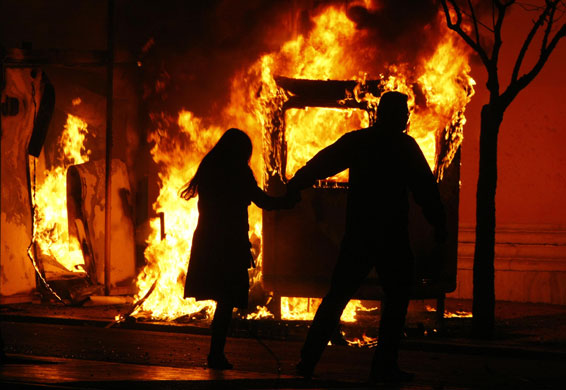 https://i1.wp.com/static.guim.co.uk/sys-images/Guardian/Pix/pictures/2008/12/8/1228730181610/Gallery-Riots-in-Athens-A-002.jpg