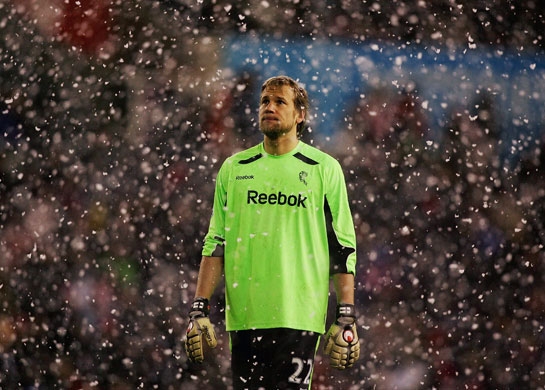 https://i1.wp.com/static.guim.co.uk/sys-images/Guardian/Pix/pictures/2009/3/4/1236204550341/Prem-League-Wed-Jussi-Jaa-001.jpg?w=640