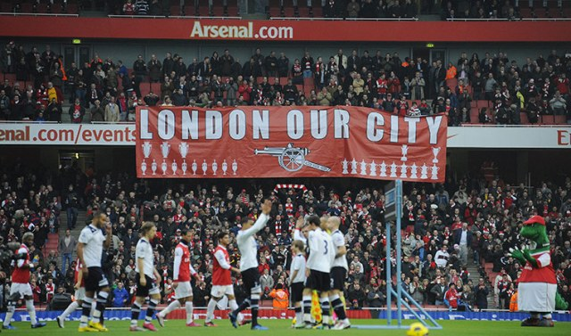 https://i1.wp.com/static.guim.co.uk/sys-images/Guardian/Pix/pictures/2010/11/20/1290290750021/Arsenal-fans-unfurl-a-ban-001.jpg?resize=640%2C377