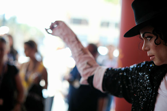 Michael Jackson memorials: A wax figure of Michael Jackson on 