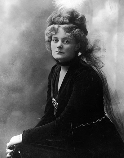 https://i1.wp.com/static.guim.co.uk/sys-images/Guardian/Pix/pictures/2011/1/21/1295610650911/Portrait-Of-Maud-Gonne-Mc-005.jpg