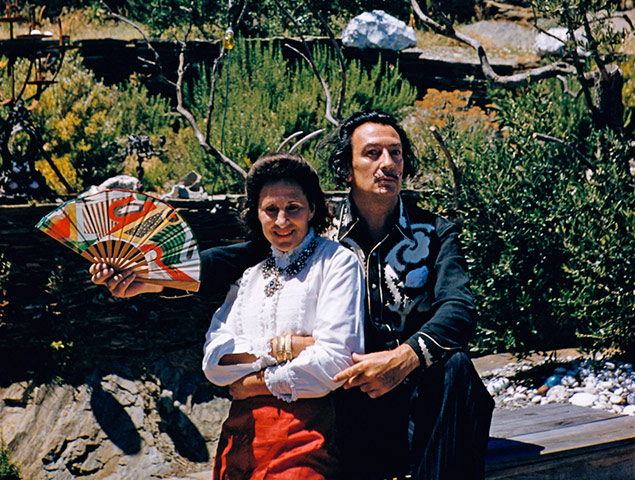 https://i1.wp.com/static.guim.co.uk/sys-images/Guardian/Pix/pictures/2011/1/21/1295610655612/Salvador-Dali-and-His-Wif-009.jpg