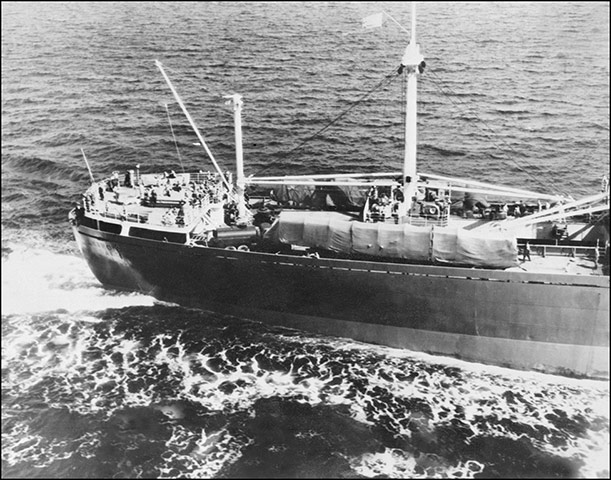 Cuban missile crisis : Aerial picture of the Soviet freighter 'Anosov'
