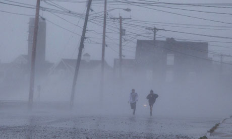 Tropical storm Sandy batters US coast