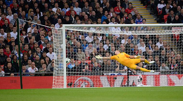 England v Republic: Shane Long scores