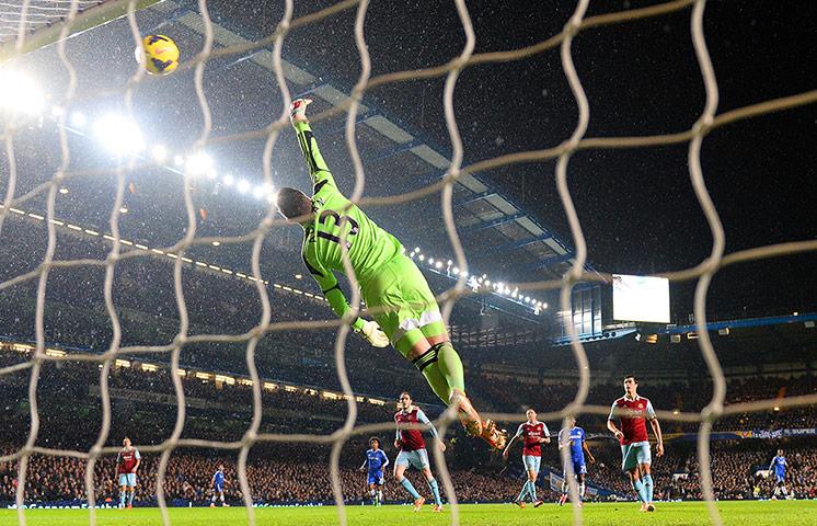 wednesday's matches: West Ham's keeper Adrian