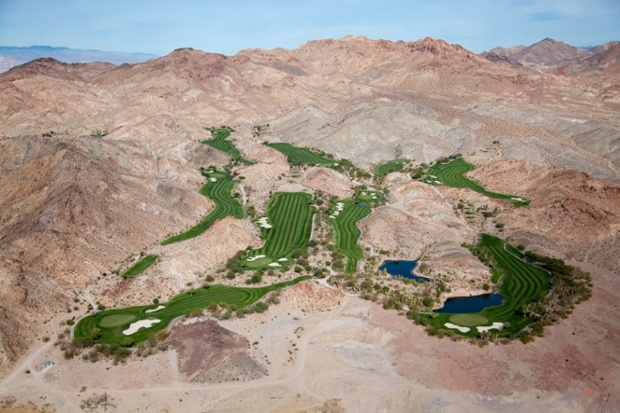 Golf oasis in desert hills, Las Vegas, Nevada, USA 2009