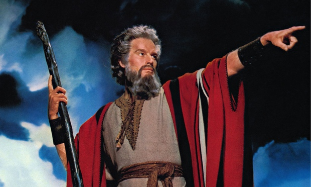 https://i1.wp.com/static.guim.co.uk/sys-images/Guardian/Pix/pictures/2014/11/28/1417213907702/Charlton-Heston-as-Moses--010.jpg