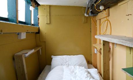 Houseboat cabin