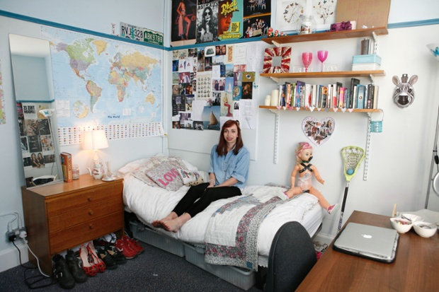 Philosophy student, Livvie Tadman's bedroom.