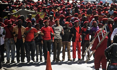 MDG : South Africa politics : Supporters of the Economic Freedom Fighters (EFF) party