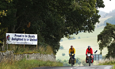 Cyclists pass pro-union banner Perthshire