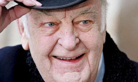 Sir Donald Sinden dies aged 90