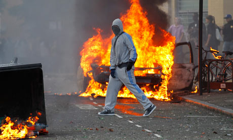 Riots break out in north London