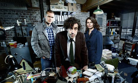 Dirk Gently: Darren Boyd, Stephen Mangan and Helen Baxendale