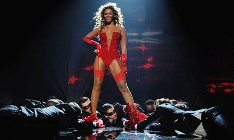 Beyonce performs at the 2009 MTV Europe Music Awards