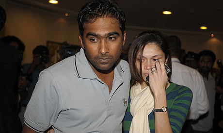 Sri Lankan cricketer Mahela Jayawardene with his wife Christina Sirisena