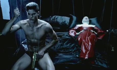 13 Lady Gaga Alejandro