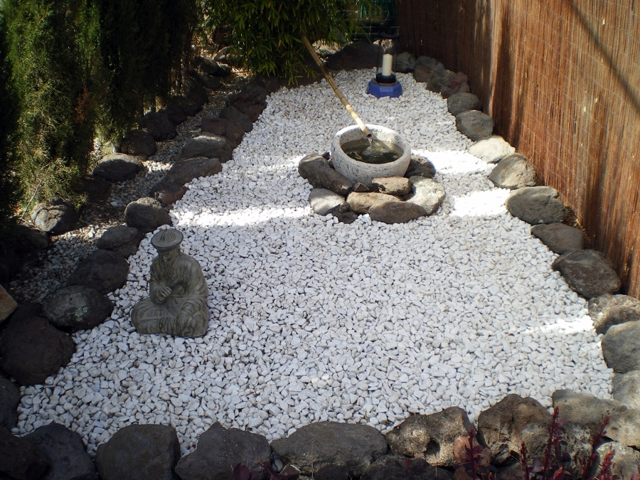decoracin de jardines con piedras blancas