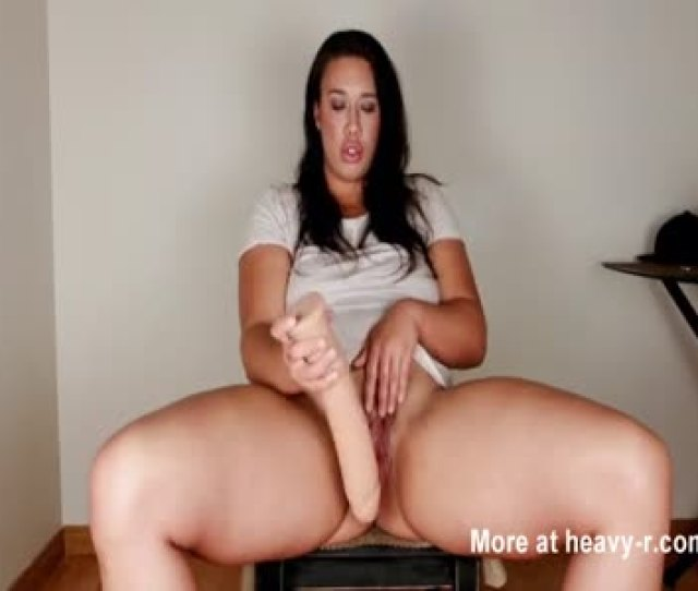 Big Girl Masturbating And Squirting