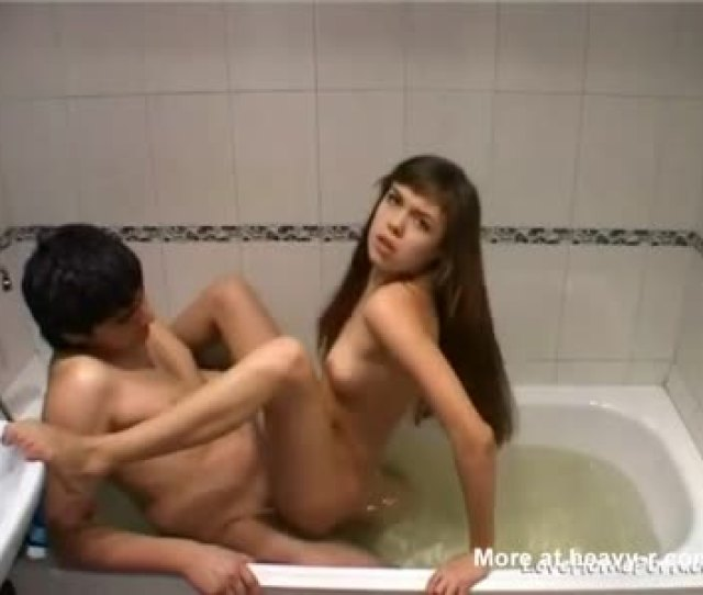 Amateur Couple Sex In Tub