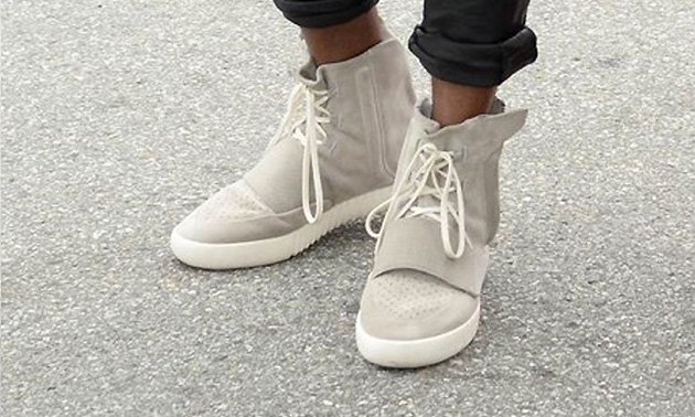 Kanye West Yeezy Shoes Sale