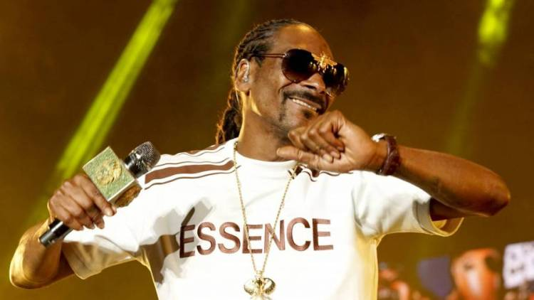 Snoop Dogg & Roddy Ricch Hit The Studio Sparking Rumors Of Possible Collab