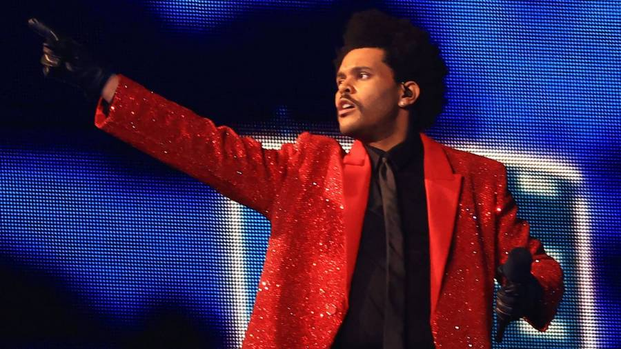 """The Weeknd's """"Blinding Lights"""" Is The Fastest Song To Hit 2.5B Streams On Spotify"""