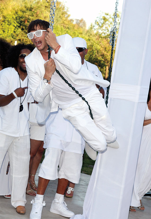 The Hamptons Modern Day Gatsby Diddy S White Party Turns 20 Hollywood Reporter