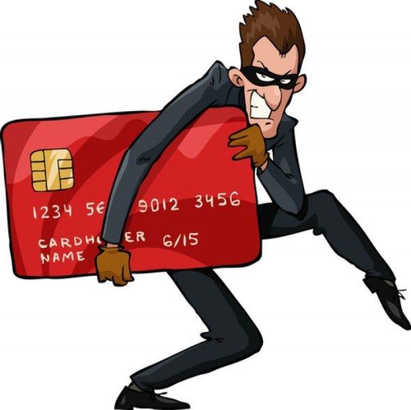 Criminali care nu au nicio legătură cu gestiunea unui cafe internet frecventat de turiști profită de politicile de securitate permisive pentru a instala spyware în computere, care să le permită să obțină date ale cărților de credit.