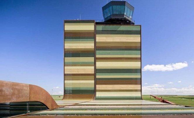 Cele mai originale 10 aeroporturi