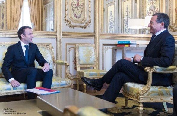 Prezentarea extinderii a Disneyland Paris a avut loc la Palatul Elysee, în capitala pariziana cu prezența președintelui francez, Emmanuel Macron, și al președintelui și CEO-ul The Walt Disney Company, Robert A. Iger.