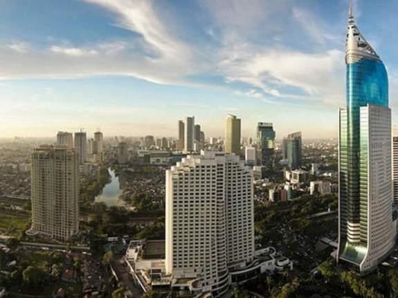 Aproximativ 30 de milioane trăiesc în zona metropolitană din Jakarta.