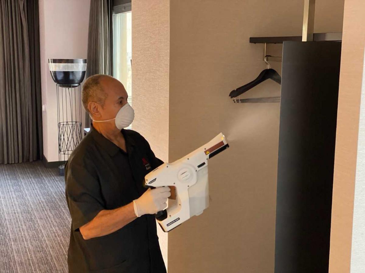 Nuevos estándares de limpieza en hoteles: el caso Marriott | Hoteles y  Alojamientos