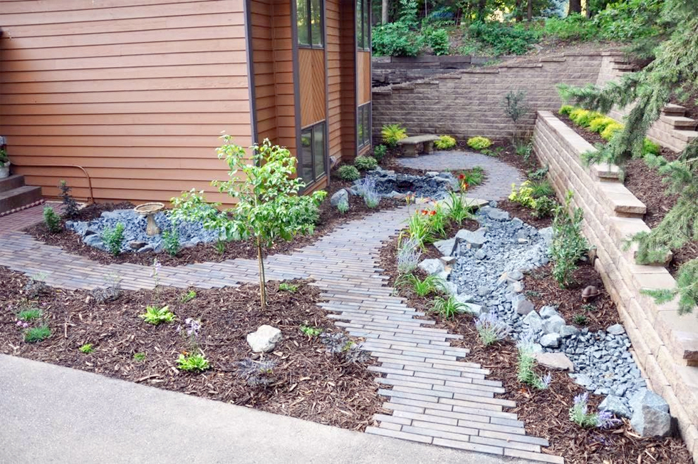 Front Yard Ideas: Simple DIY Front Yard Landscaping Ideas on Front Yard Patio Design Ideas id=19426