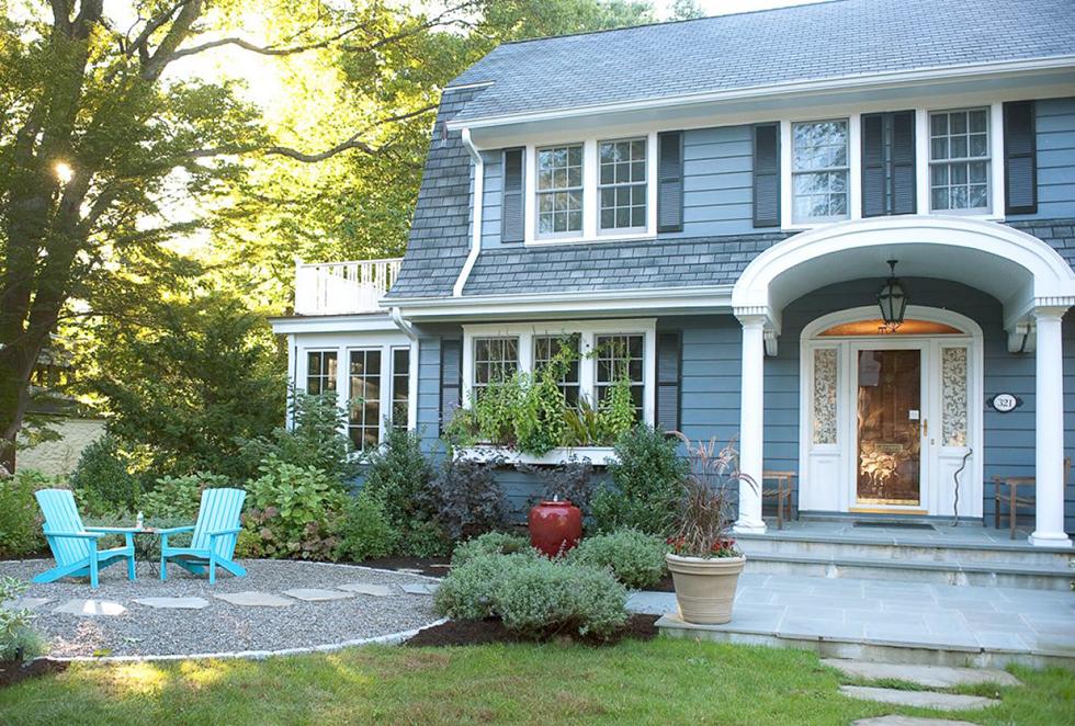 Maintenance Free Homes   Maintenance Free Siding   HouseLogic on Front Yard Patio id=24671