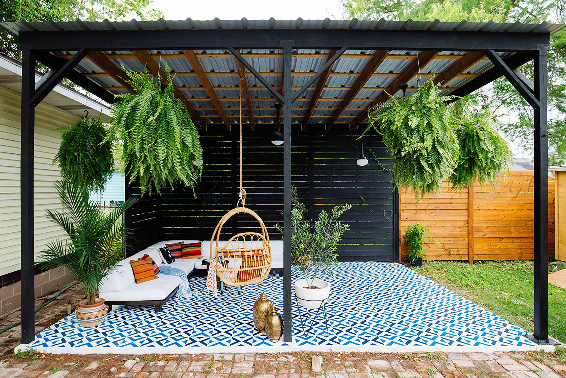 Small Patio Decorating Ideas | Fast-Growing Climbing Vines ... on Floating Patio Ideas id=74435