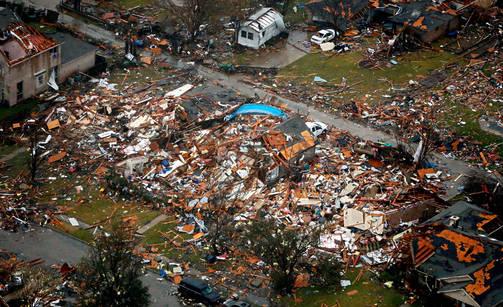 Tornado teki pahaa jälkeä Garlandissa Teksasissa.
