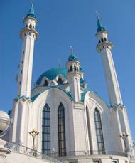 Persujen nuorisojärjestö ei halua minareetteja Suomeen.