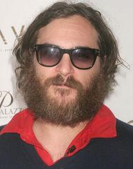 Muodonmuutoksen kokenut Joaquin Phoenix nautti ensimmäisestä keikastaan.